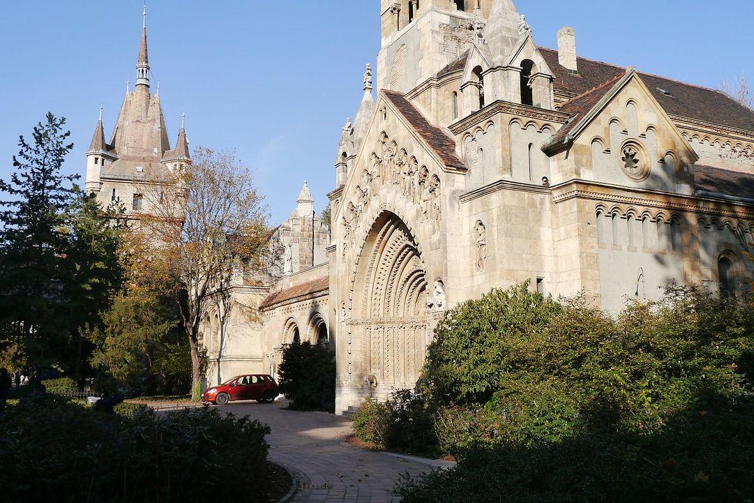 stanley l church 84298 1280 uai - Art Homes Budapest
